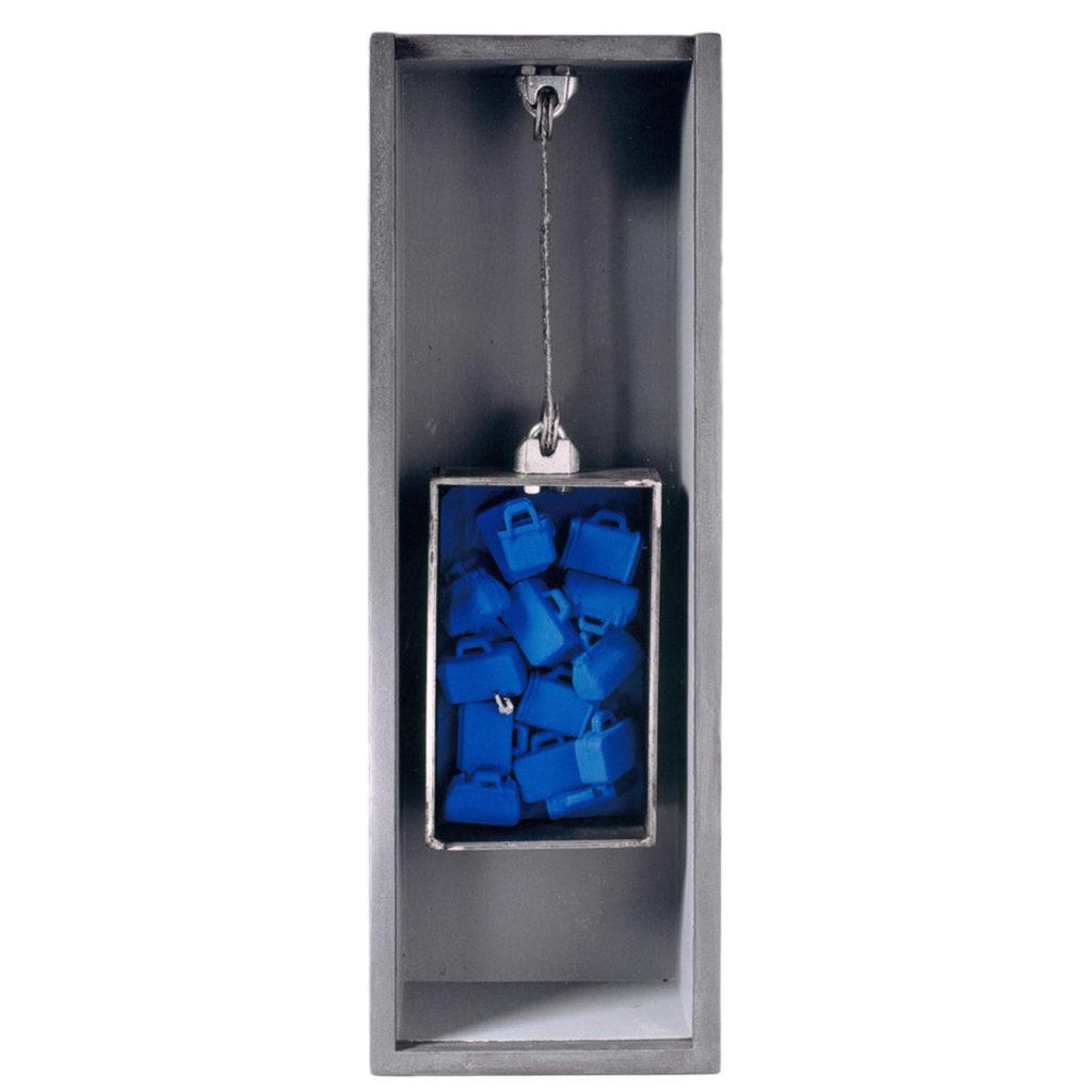 Caja objeto. 38 x 14 x 7 cm. 2001